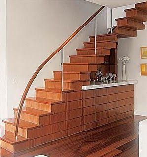 vão embaixo escada
