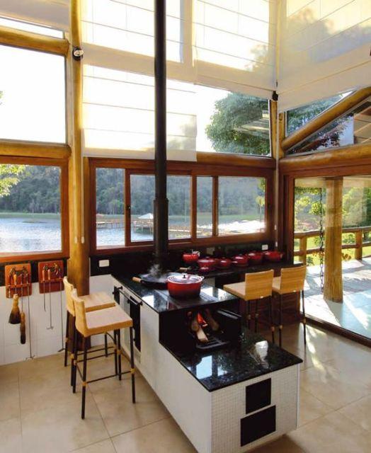 janela de vidro e madeira