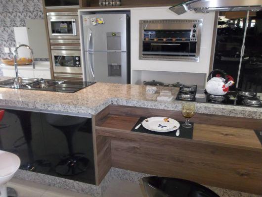 cozinha moderna com churrasqueira