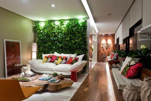sala com jardim vertical