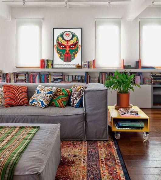 almofadas coloridas étnicas