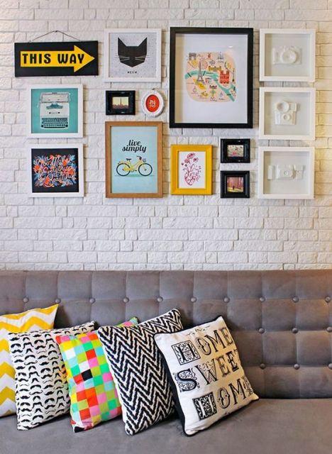 almofadas coloridas estampadas
