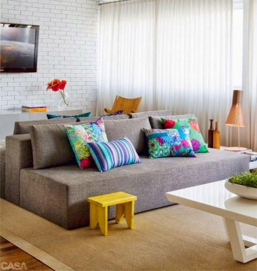almofadas coloridas tamanhos