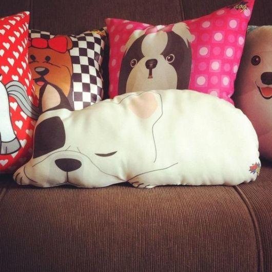 almofadas estampadas cachorros