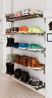 prateleiras com sapato