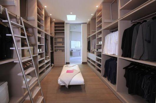 closet integrado com banheiro