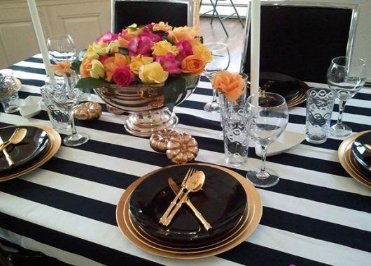 enfeites de mesa de jantar com flores