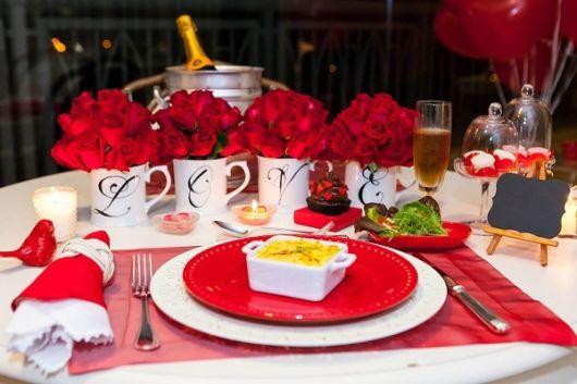 enfeites de mesa de jantar namorados