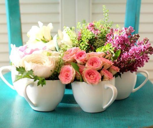 enfeites de mesa noivado e casamento xícaras