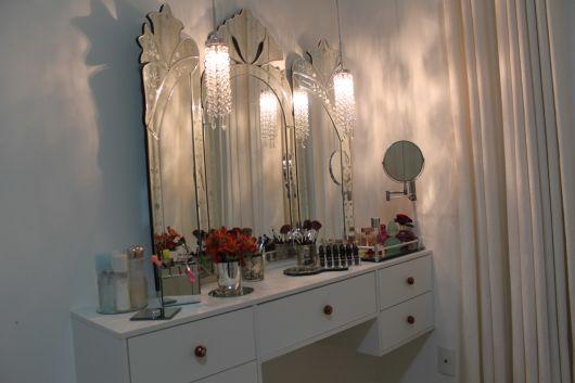 espelho veneziano na penteadeira modelo