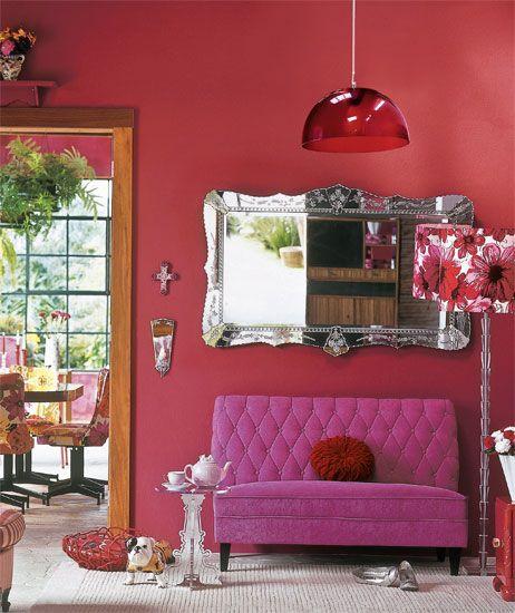 espelho veneziano na sala rosa