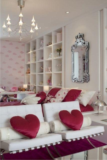 espelho veneziano no quarto cama