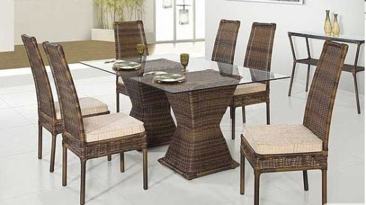 mesa com 6 lugares de jantar cadeira de palha