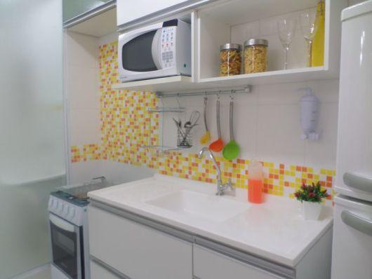 cozinha decorada amarela