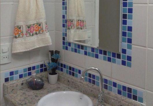 Pastilhas Adesivas Onde usar, Aplicação e Preços! -> Decoracao De Banheiro Pequeno Com Pastilhas Azul