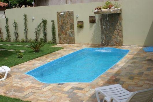 Piscinas pequenas 50 projetos inspiradores for Modelos de piscinas para jardines pequenos