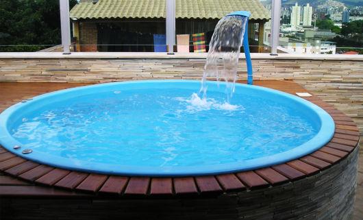 Piscinas pequenas 50 projetos inspiradores for Piscina 8000 litros redonda
