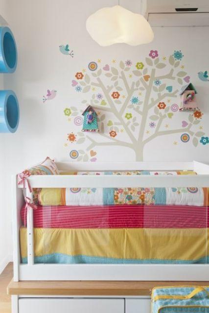 quarto de bebê moderno feminino