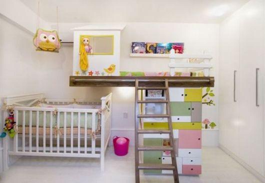 quarto de bebê moderno irmão mais velho