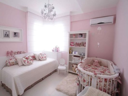 quarto de bebê moderno irmãos