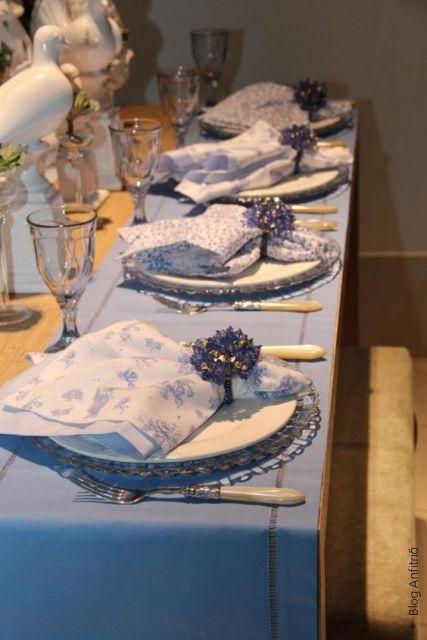 mesa sofisticada azul