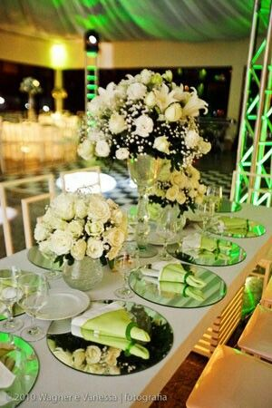 decoração rosas brancas