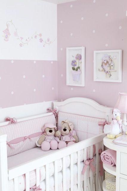 Papel de parede para quarto de bebê bolinhas