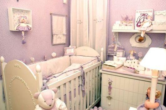 Papel de parede para quarto de bebê cor lilás