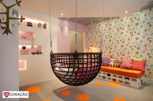 Papel de parede para quarto de bebê flores