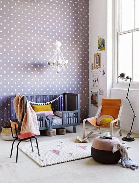 Papel de parede para quarto de bebê lilás