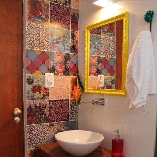 Adesivos para banheiro modelos, tipos e 60 fotos! -> Banheiro Pequeno Onde Colocar A Lixeira