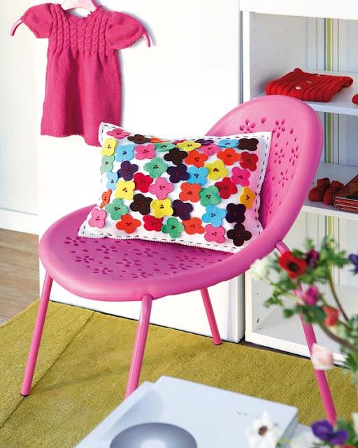 cadeira plástico rosa