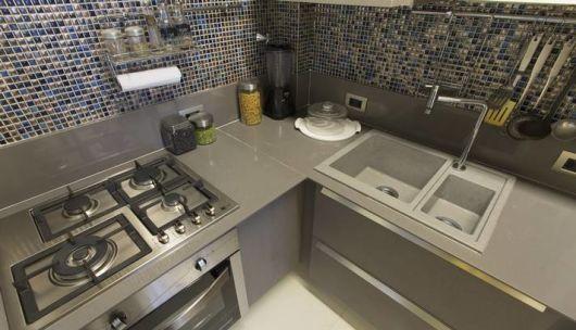 bancada de cozinha em corian