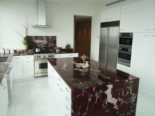 bancada de cozinha mármore roxo