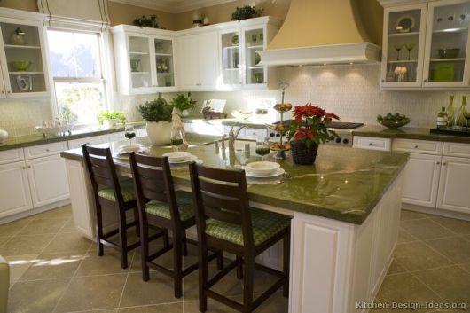bancada de cozinha preto absoluto verde