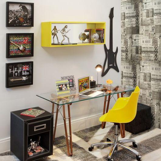 Home office moderno e jovem