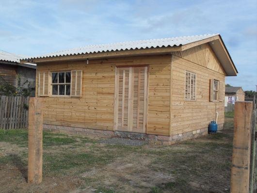 Casa de madeira simples