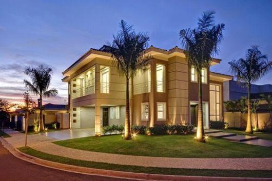 Casas de esquina 45 fachadas projetos e plantas incr veis for Casa moderna esquina