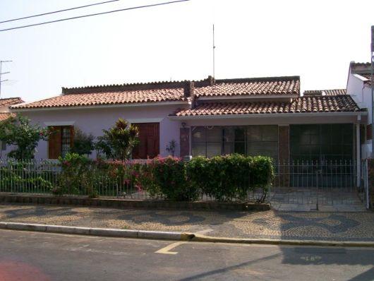 Casas antigas fachadas reformas e 44 fotos de casas lindas for Modelos de frentes para casas