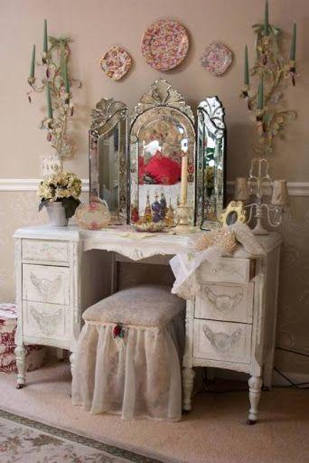 espelho veneziano na penteadeira provençal