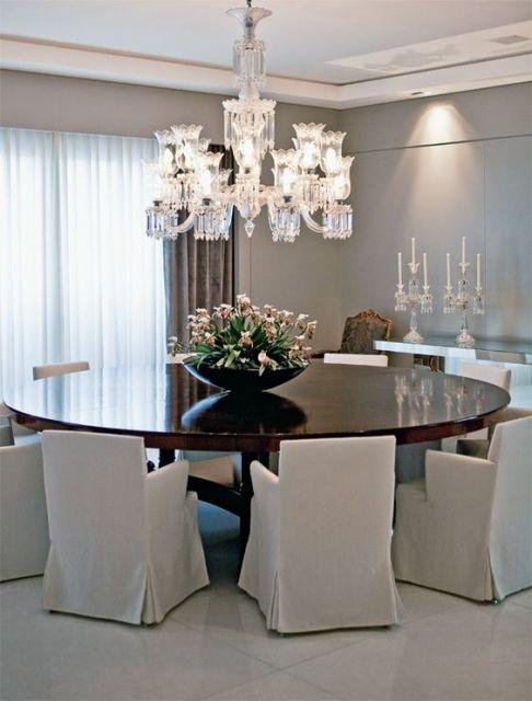 fotos de mesa de jantar redonda clássica