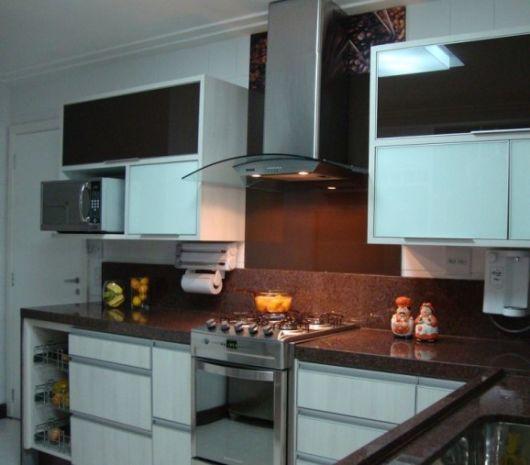 cozinha com fogão de embutir