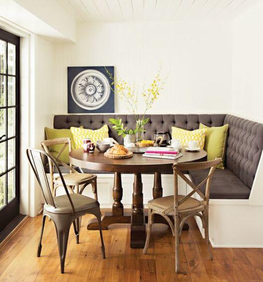 mesa de jantar redonda de madeira estilo