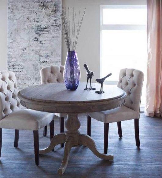 mesa de jantar redonda de madeira rústica