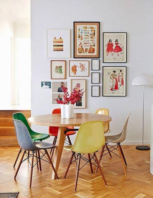 mesa de jantar redonda pequenina