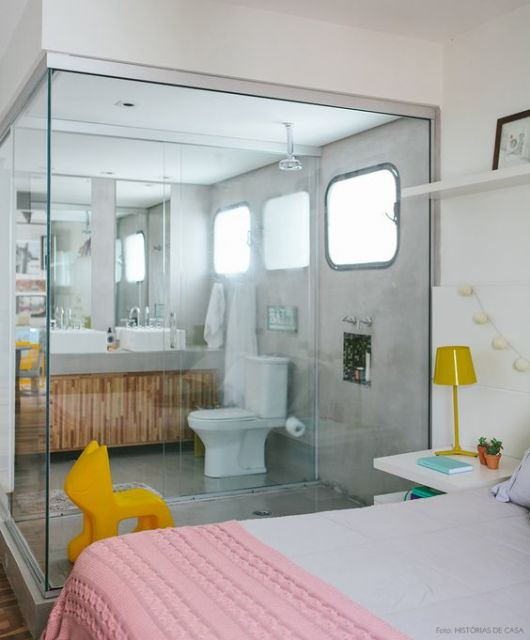 Parede de vidro Tipos, dicas e 45 projetos incríveis -> Banheiro Pequeno De Vidro Dentro Do Quarto
