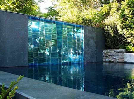 parede de vidro com água