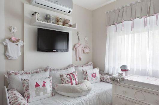 Cortinas para Quarto de Bebê branca decorada