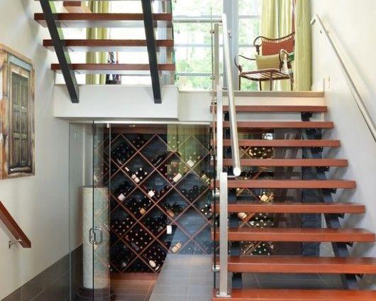 adegas nas escadas