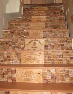 artesanato com rolhas na escada
